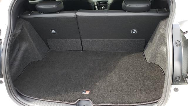 トヨタGRヤリスのトランクは広い?