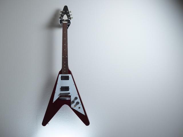 スターペグミュージック変形ギター