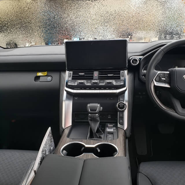 新型ランドクルーザー(ランクル300)ZX Tコネクトナビ