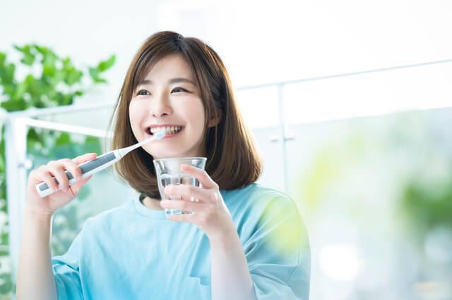電動歯ブラシはホワイトニング歯垢除去に有利