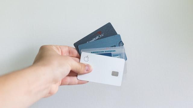 クレジットカード 借金 増える